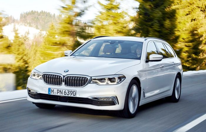 Новенький BMW 5 Series – один из тех автомобилей, в которые можно влюбиться с первого взгляда.| Фото: bmw-5-series.infocar.ua.