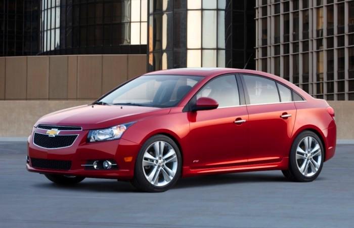 Очень надежные машины есть и среди доступных моделей. | Фото: greencarreports.com.