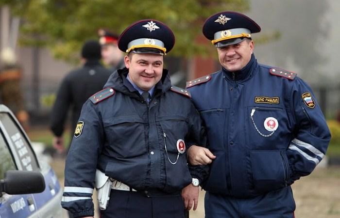 По поведению сотрудников ГИБДД нередко судят о всей полиции. | Фото: motorpage.ru.