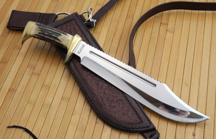 Красивые и практичные ножи всегда привлекали мужчин. | Фото: custommade.com.