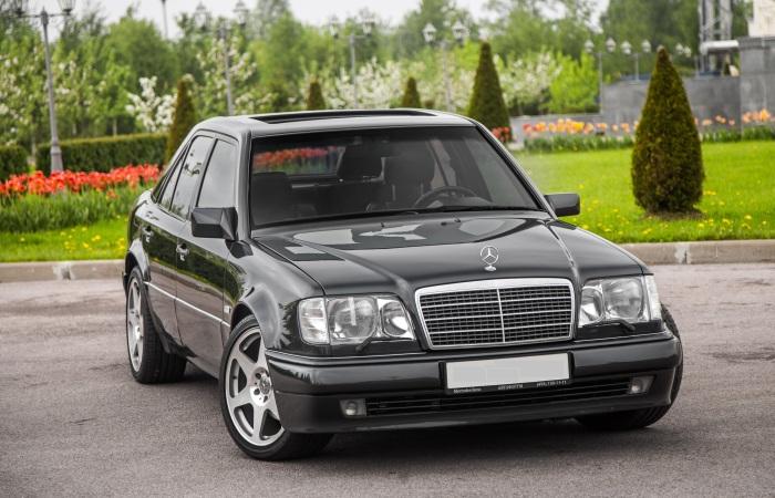Mercedes-Benz E-Class, владелец которого обслуживает машину как надо. | Фото: kolesa.ru.