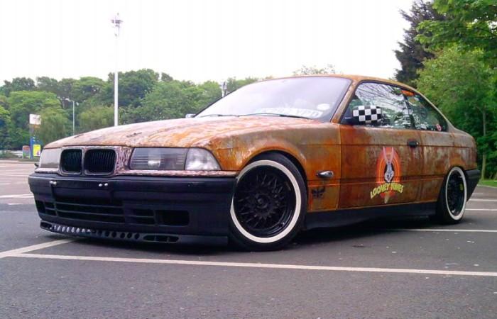 Сложно даже представить, что скрывается под ржавым кузовом этого автомобиля. | Фото: rat-look.com.