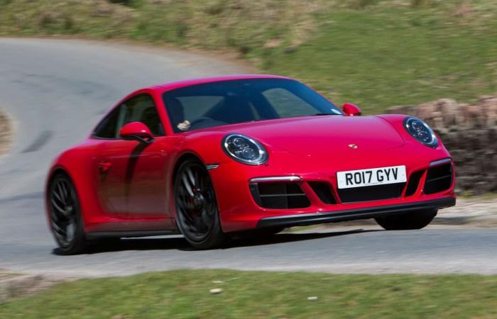 Очередная версии знаменитого Porsche 911. | Фото: autocar.co.uk.
