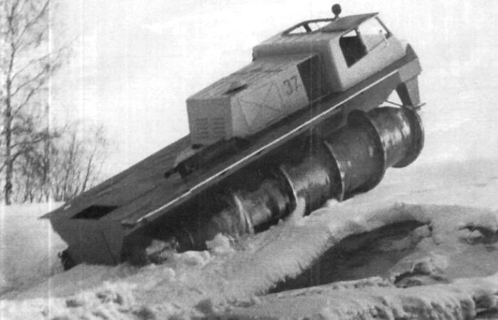 Советский шнекоход ШН-67, 1967 год. | Фото: images2.popmeh.ru.