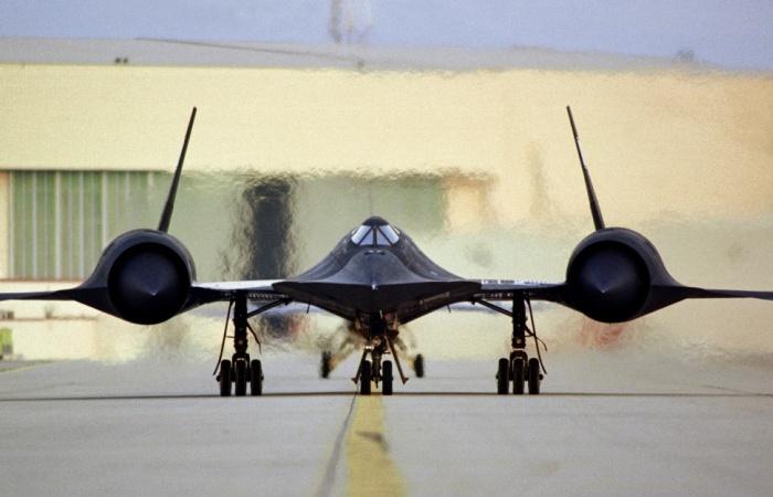 Lockheed SR-71 Blackbird – самый быстрый самолет в мире. | Фото: nationalinterest.org.