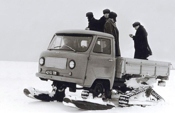 Снегоход УАЗ-451С. | Фото: autowp.ru.