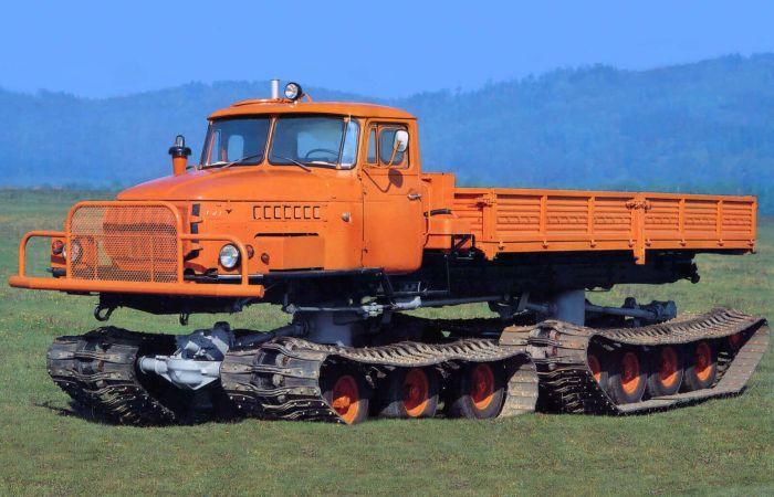 Советский снегоболотоход Урал-5920. | Фото: all-auto.org.