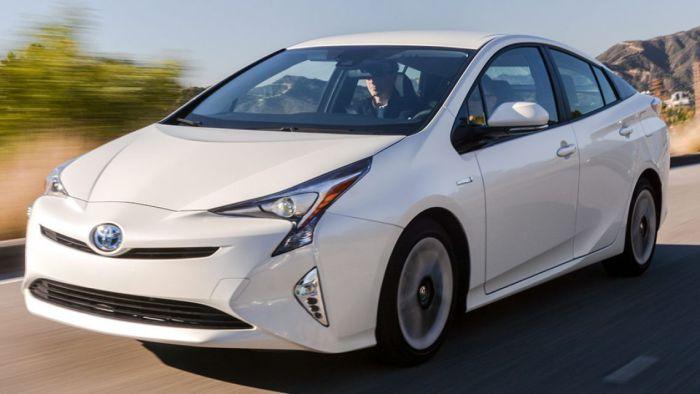 Toyota Prius – один из самых экономичных автомобилей на рынке.