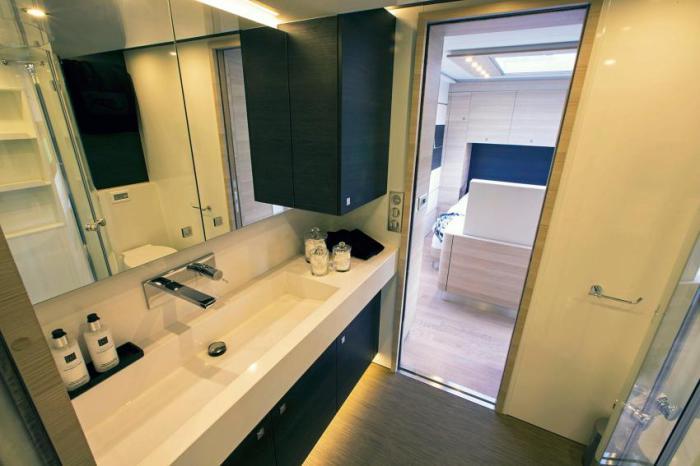 Ванная комната автодома STX Mercedes Actros.