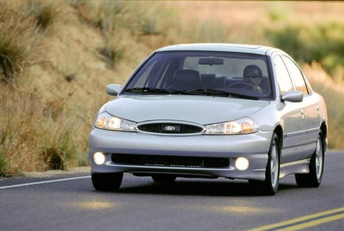 Ford Contour SVT – суперверсия Ford Mondeo.