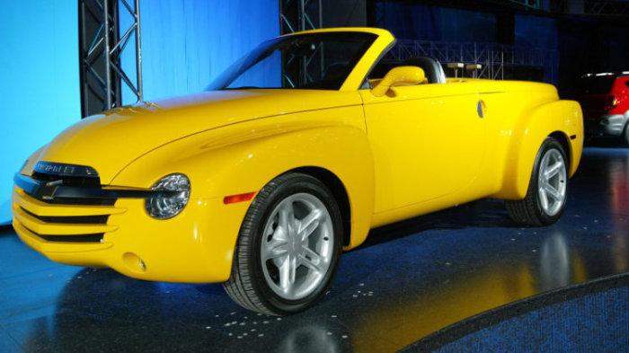 Chevrolet SSR – ретро-пикап с двигателем от Corvette.