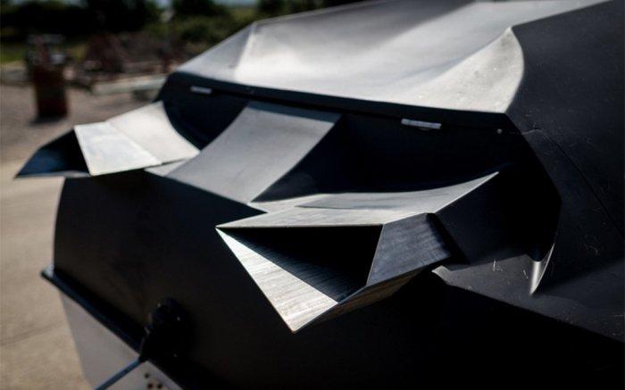 Вид на корму Alpha Centauri, где видны выхлопные трубы замысловатой формы. | Фото: vodabereg.ru.