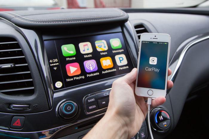 Интерфейс системы Apple CarPlay. | Фото: arstechnica.com.