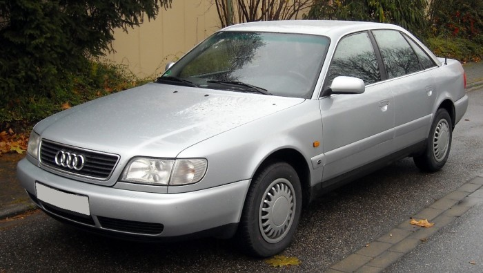 Audi 100 и А6 выпускались в кузове C4 с 1990 по 1997 год. | Фото: commons.wikimedia.org.