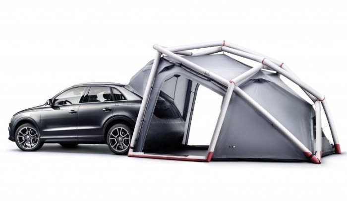 Кроссовер Audi Q3 с палаткой. | Фото: cheatsheet.com.