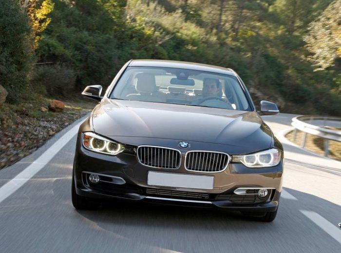 Агрессивный внешний вид BMW 3 Series вполне подтверждается его мощным экономичным двигателем. | Фото: rubmw.ru.