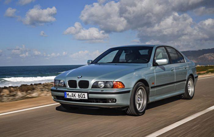 BMW E39 - баварская «пятерка» конца 1990-х. | Фото: bmwblog.com.