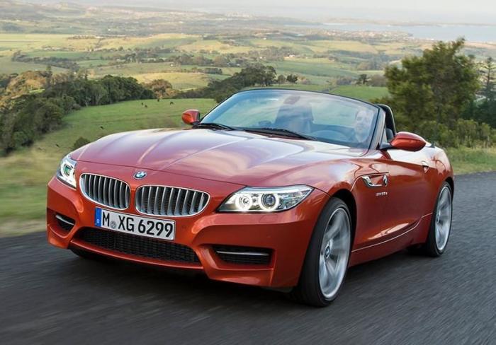 Купе со складной жесткой крышей BMW Z4 2015 года. | Фото: cars.com.