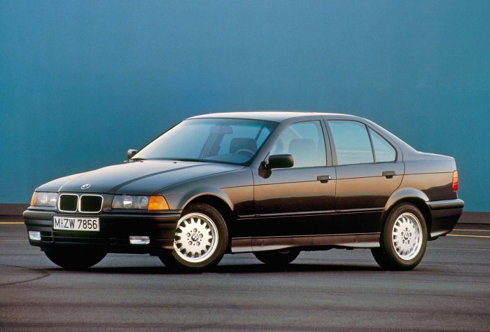 Третье поколение BMW 3-й серии в кузове E36. | Фото: autocar.co.uk.