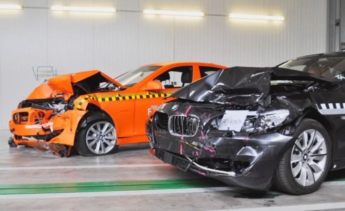 Большие немецкие седаны BMW после краш-теста.