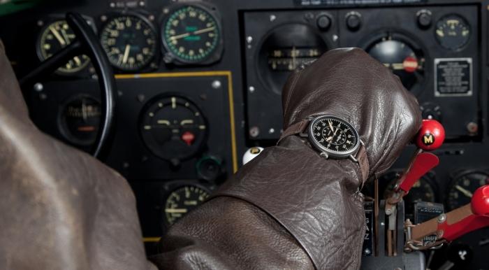 Наручные часы Bell & Ross пилота самолета.