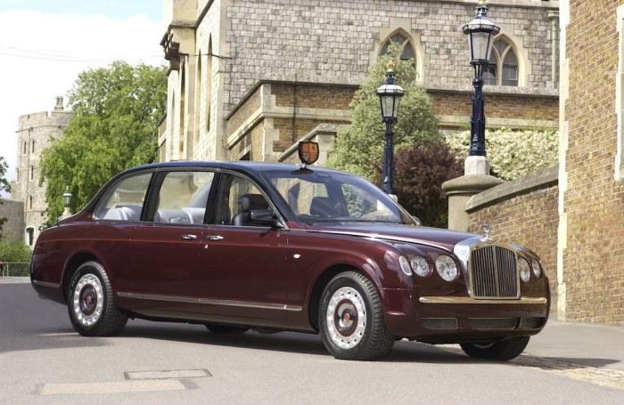 Лимузин Bentley State Limousine. | Фото: cheatsheet.com.