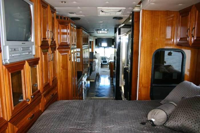Спальная в жилом модуле Terra Wind. | Фото: camillc.com.