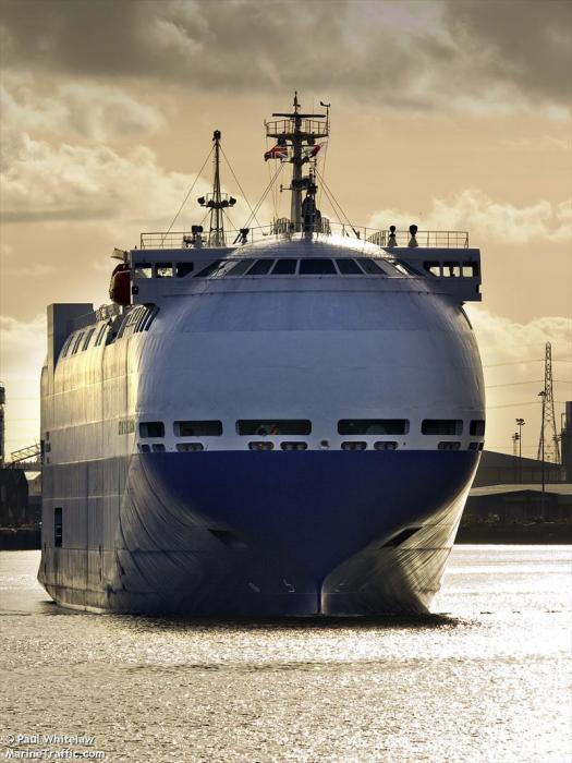 12-палубный ролкер City of St. Petersburg. | Фото: marinetraffic.com.