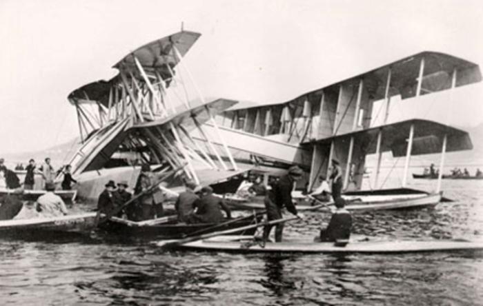Разрушенная конструкция итальянской летающей лодки Caproni Ca.60. | Фото: aeronavtika.com.