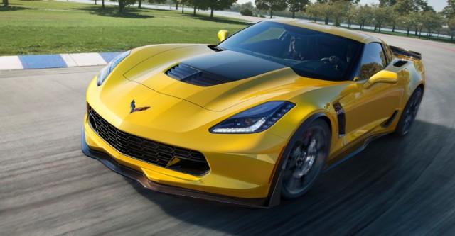 Chevrolet Corvette Z06 является более мощной версией, чем обычный Corvette Stingray.