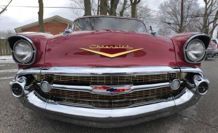 В 1950-е годы Chevrolet Bel Air считался престижным автомобилем. | Фото: facebook.com.