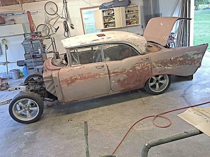 Автомобиль оказался в плачевном состоянии. | Фото: facebook.com.