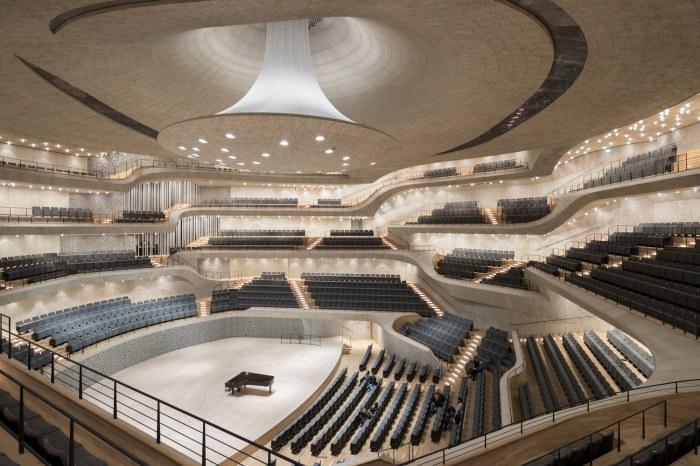 Herzog and De Meuron разработали главный концертный зал Гамбургской Elbphilharmonie с помощью компьютерных алгоритмов.