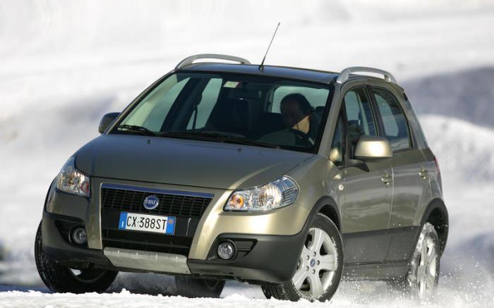 Fiat Sedici – еще один итальянский кроссовер, построенный на базе Suzuki SX4 в 2005 году. | Фото: autocar.co.uk.