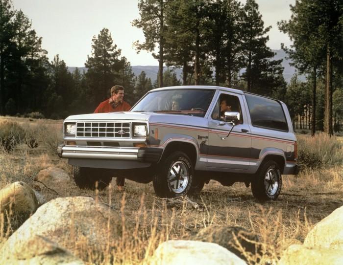Компактный внедорожник Ford Bronco II.