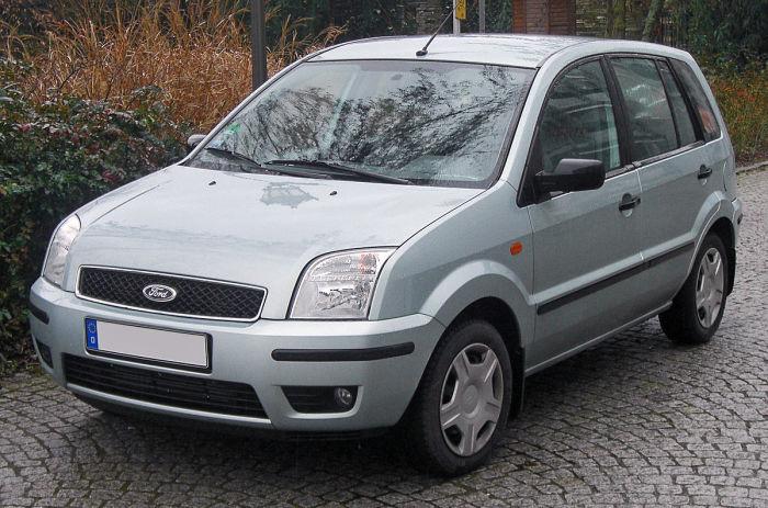 Хэтчбек Ford Fusion выпускался в Германии (2002-2012 гг.).