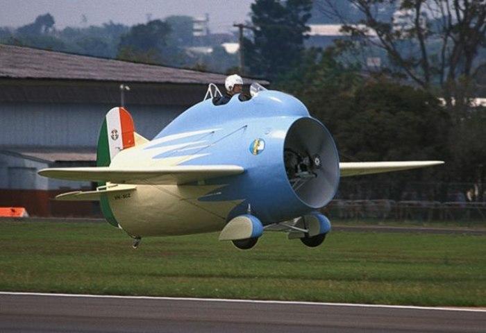 «Летающая бочка» или «самолет-труба» Stipa-Caproni. | Фото: italianways.com.