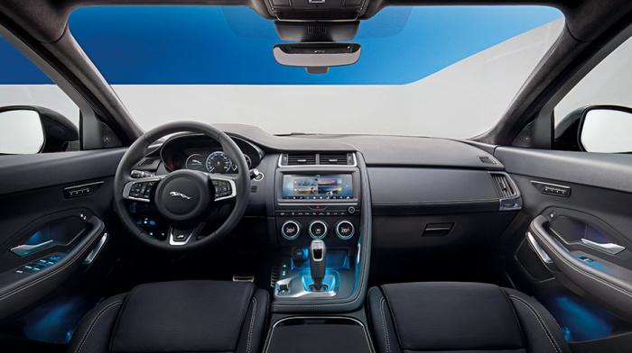 Салон британского кроссовера Jaguar E-Pace. | Фото: drive.ru.