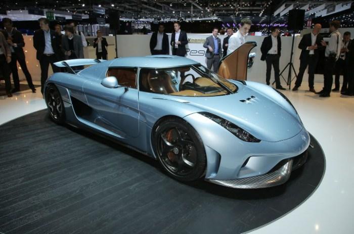 Как и в случае с Bugatti Chiron, эта машина узнается сразу.