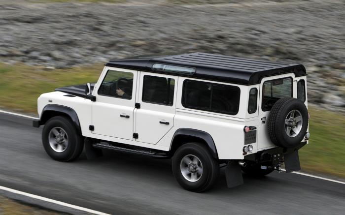 Британский внедорожник Land Rover Defender – автомобиль с потрясающей проходимостью. | Фото: conceptcarz.com.