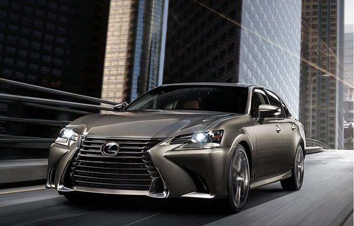 Lexus GS 350 четвертого поколения выпускается с 2011 года. | Фото: cheatsheet.com.
