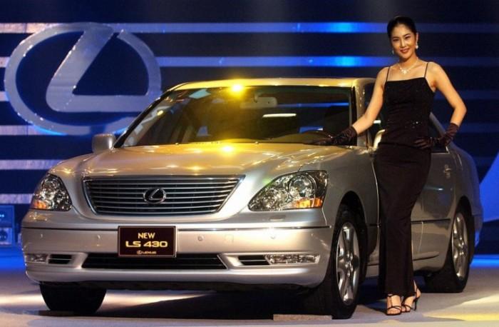 Lexus LS третьего поколения выпускался с 2000 по 2006 гг. | Фото: cheatsheet.com.