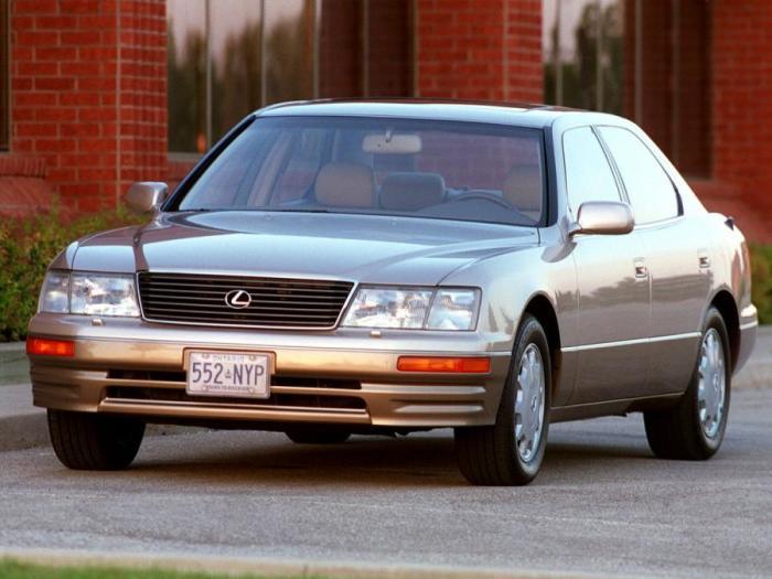 Большие и комфортные Lexus, такие как этот LS400, всегда считались неубиваемыми машинами. | Фото: auto.vercity.ru.