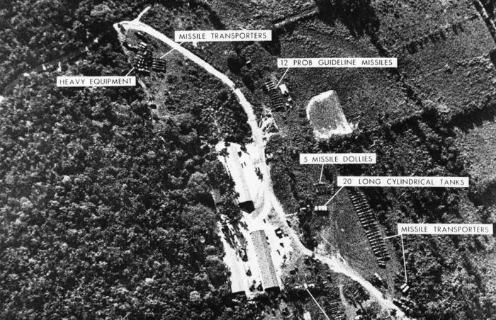 Фотоснимки ракетных позиций, снятые самолетом Lockheed U-2 над Кубой, 1962 год. | Фото: photochronograph.ru.