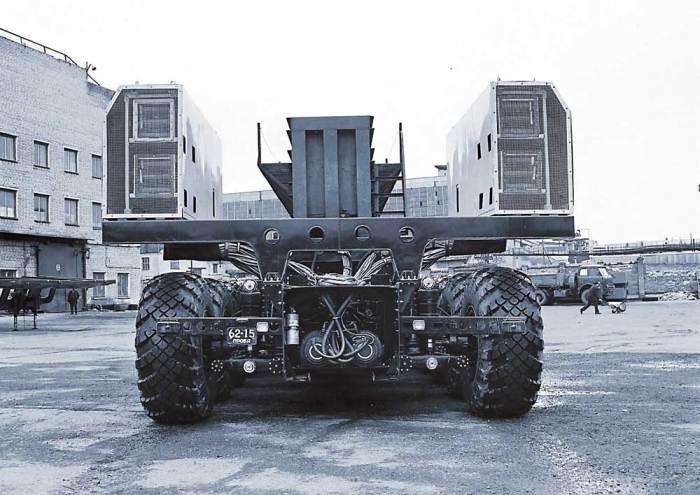 МАЗ-7907: 24 колеса и у каждого свой электромотор.