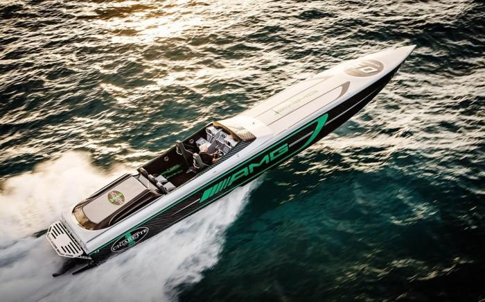 Мощный катер Marauder AMG призван покорять скорость на воде.