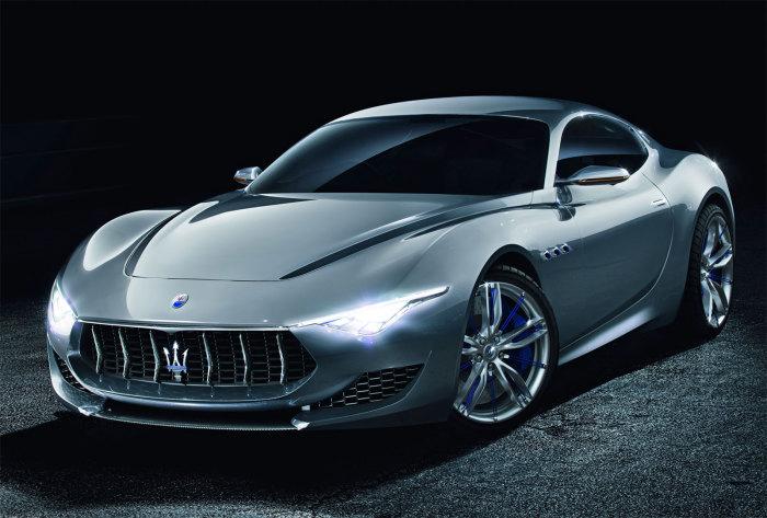 Спортивный автомобиль Maserati Alfieri.