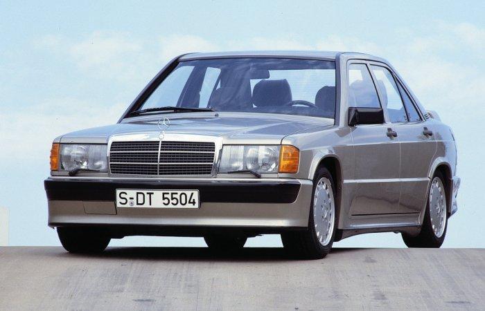 Mercedes-Benz 190E, который уже можно назвать классическим автомобилем.
