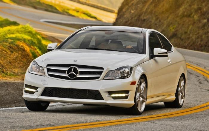Компактный представительский седан Mercedes-Benz C350 2014 года. | Фото: cheatsheet.com.