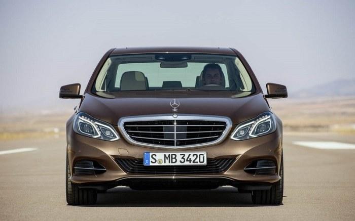 Немецкий седан бизнес-класса Mercedes-Benz E-Class 2014 года. | Фото: cheatsheet.com.